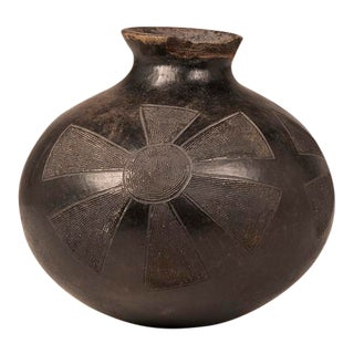 1940s South African Zulu Tribe Motif Hand Made Blackened Fired Earthenware Water Vessel For Sale