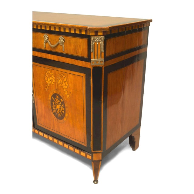 Late 18th Century Finely Inlaid Late 18th Century Satinwood Commode For Sale - Image 5 of 6