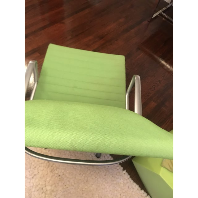 Mid-Century Modern Eames Aluminum Chair For Sale - Image 3 of 13