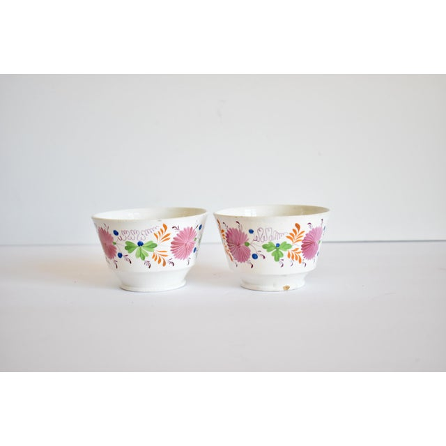 Early 19th Century Antique C. 1810-1820 Pink Luster Staffordshire Creamware Tea Bowls - a Pair For Sale - Image 5 of 13