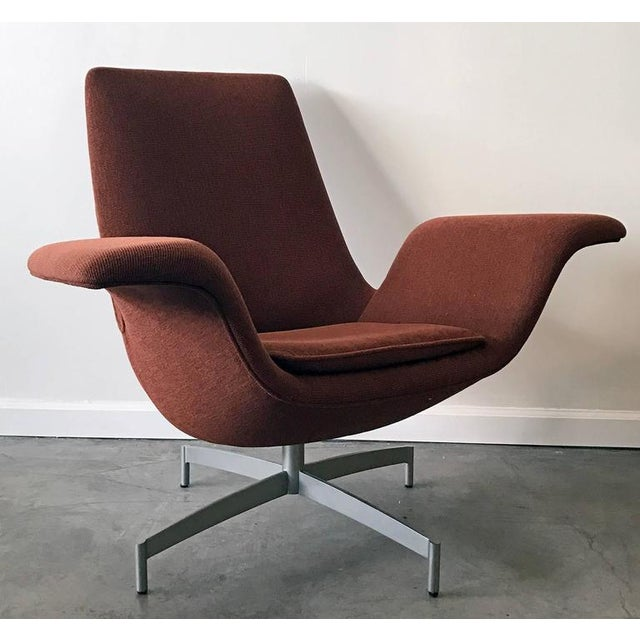Arne Jacobsen Contemporary HBF Furniture Dialogue Lounge Chair For Sale - Image 4 of 7