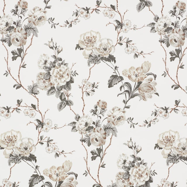 Sample - Schumacher x Veere Grenney Betty Wallpaper in Charcoal For Sale