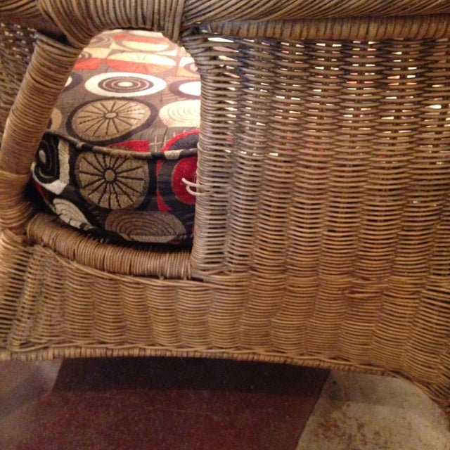 20th Century Country Wicker Settee With Groovy Fabric For Sale In Boston - Image 6 of 8