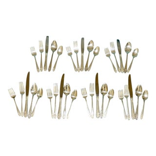 """Art Nouveau National Silver Co. """"Claudia"""" Silver Plate Flatware 7 Complete Place Settings With Serving Pieces - 35 Pieces For Sale"""