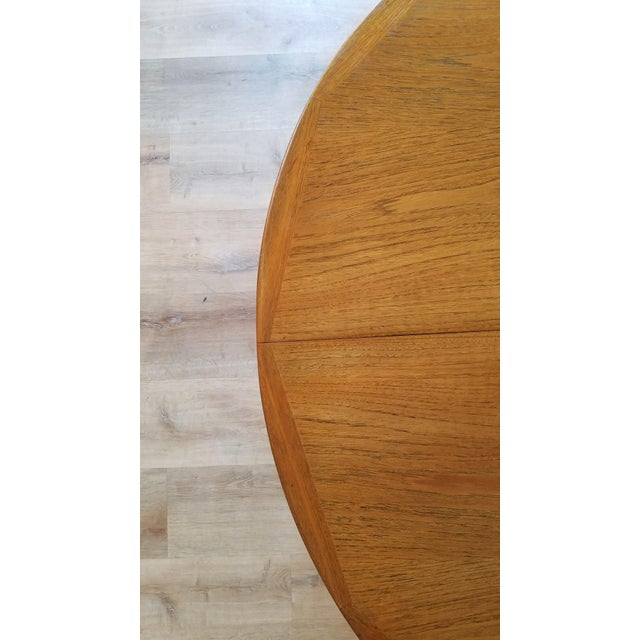 Mid 20th Century Kofod Larsen Teak Circular Extendable Dining Table for Faarup Møbelfabrik For Sale In Seattle - Image 6 of 8