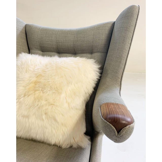 Important Pair of Hans Wegner for a.p. Stolen Papa Bear Chairs With Ottomans For Sale - Image 10 of 13