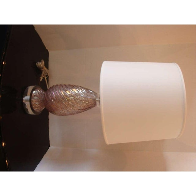 Hollywood Regency 1950s Lavender Murano Glass Lamp With Shade For Sale - Image 3 of 5
