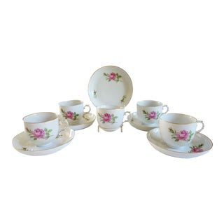 "1910s Furstenberg""Rose Bud"" Porcelain Tea Cups With Saucers - Set of 5 For Sale"