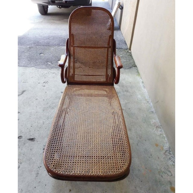 Bentwood 20th Century Mid-Century Modern Thonet Chaise Lounge Chair For Sale - Image 7 of 13