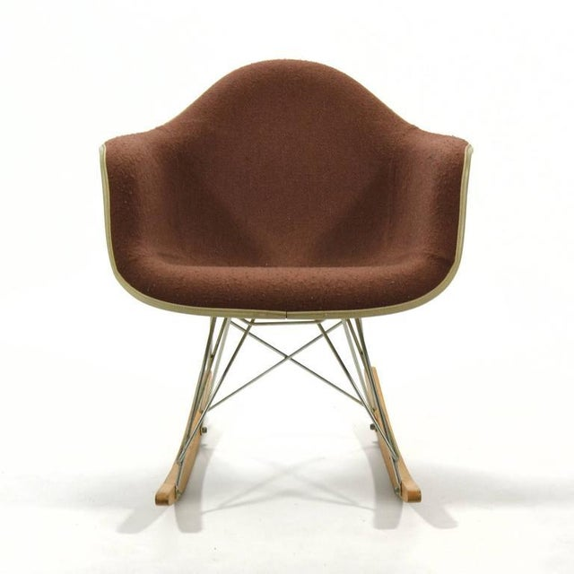 """Mid-Century Modern Eames """"Baby Rocker"""" Rar by Herman Miller with Alexander Girard Upholstery For Sale - Image 3 of 11"""