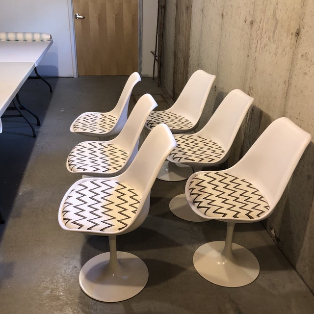 Molly Skok Zig Zag Seat Saarinen Chairs - Set of 6 - Image 2 of 6