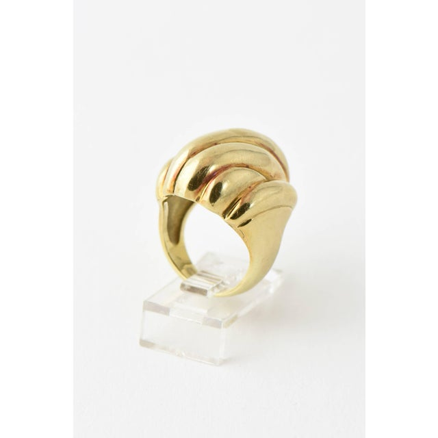 Late 20th Century 20th Century Contemporary Stylized Three-Dimensional Ribbed Yellow 14k Gold Ring For Sale - Image 5 of 8