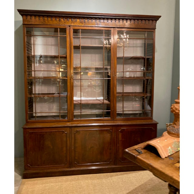 Brown 18th Century Chippendale Breakfront For Sale - Image 8 of 10