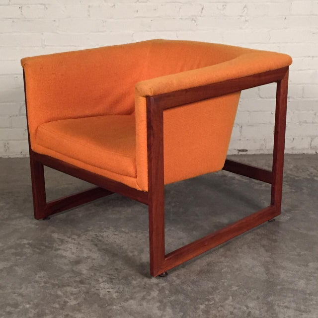 -MANUFACTURE: Milo Baughman (Designer) -IN THE STYLE OF: Mid-Century Modern -DATE OF MANUFACTURE: 1970's -MATERIALS FRAME:...