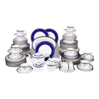 Wedgwood English Porcelain Dinnerware Service for Ten People - 83 Pc. Set For Sale