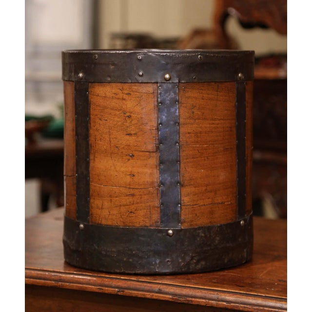 Mid-19th Century French Walnut and Iron Grain Measure Basket With Inside Handle For Sale - Image 9 of 11