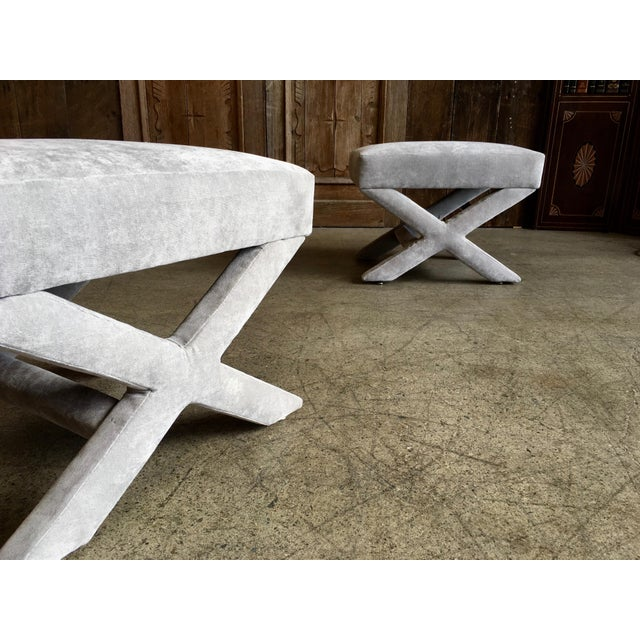 """Billy Baldwin Mid-Century Modern """"X"""" Base Billy Baldwin Style Benches - a Pair For Sale - Image 4 of 10"""