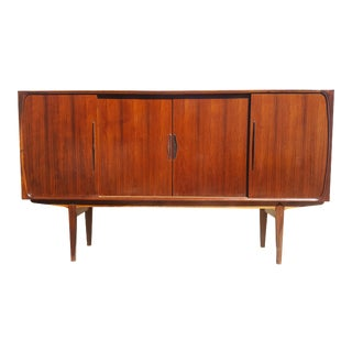 Danish Mid-Century Modern Rosewood Credenza / Sideboard / Highboard For Sale