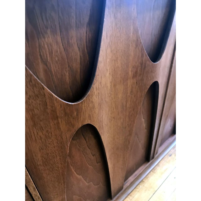 Broyhill Brasilia Mid Century Modern 9 Drawer Dresser For Sale - Image 9 of 9