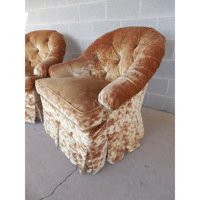 Lee Jofa Hollywood Regency Tufted Back Plush Velvet Velour Swivel Club Chairs - A Pair - Image 7 of 11