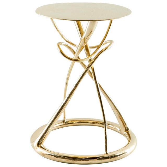 Pair of brass Gueridon table, Gordian Node, Misaya Dimensions: W 40 x L 40 x H 50 cm Hand-sculpted brass table. Available...