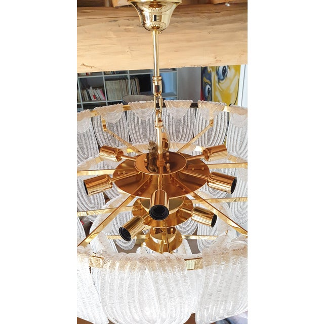 Gold Large Mid-Century Modern Murano Glass Chandelier by Mazzega For Sale - Image 8 of 12