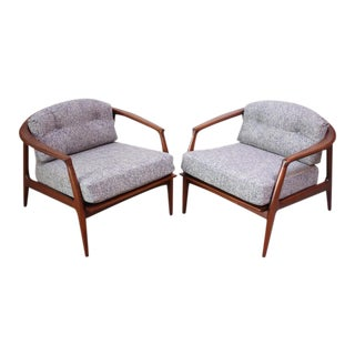 Pair of Staved Walnut Lounge Chairs by Milo Baughman For Sale