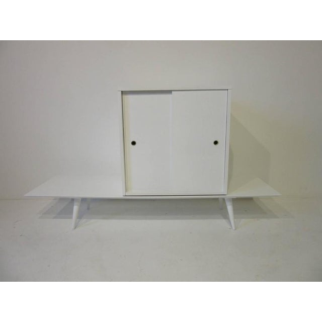 Paul McCobb Paul McCobb Planner Group Cabinet on Bench in Rare Factory White Finish - 2 pieces For Sale - Image 4 of 7