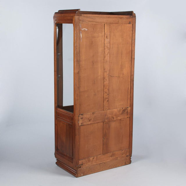 Wood 1930s Art Deco Walnut Vitrine/Display Cabinet For Sale - Image 7 of 13