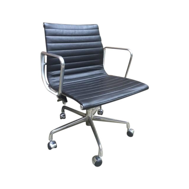 Eames Leather Aluminum Group Management Chair - Image 1 of 7
