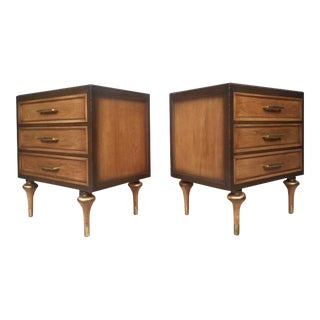 Vanleigh Furniture Mid-century Modern Three-drawer Nightstands - a Pair For Sale
