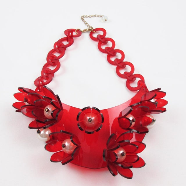 Italian Designer Transparent Red Lucite Flowers and Pearl Bib Necklace For Sale - Image 4 of 10