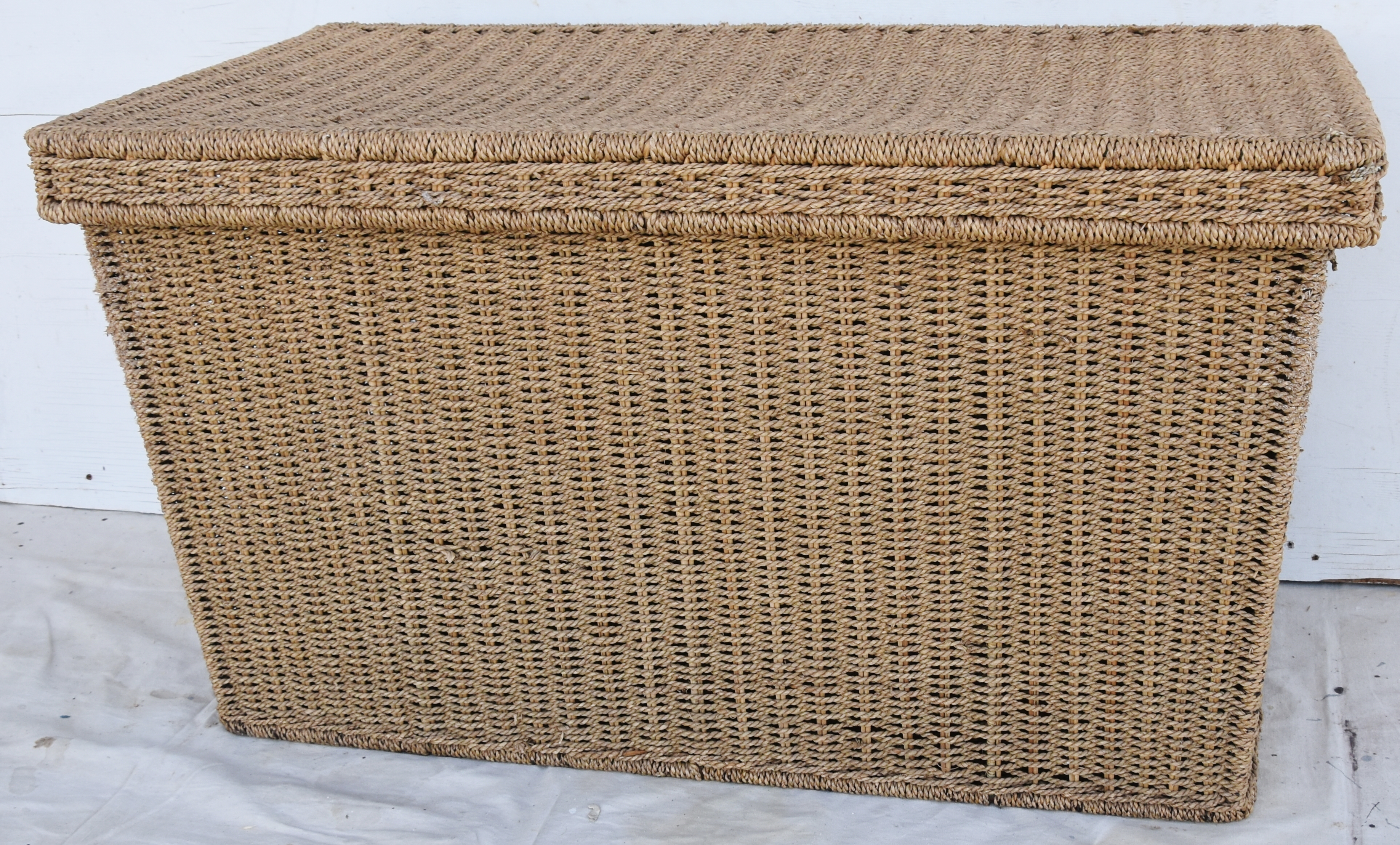 Vintage Natural Hand Woven Seagrass Trunk/Coffee Table For Sale   Image 4  Of 13