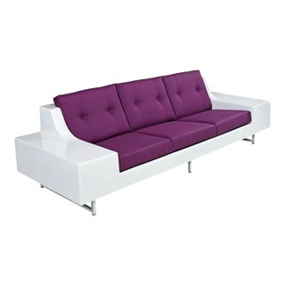 Futuristic Vintage Modern Indoor Outdoor White Fiberglass Sofa in Knoll Fabric For Sale