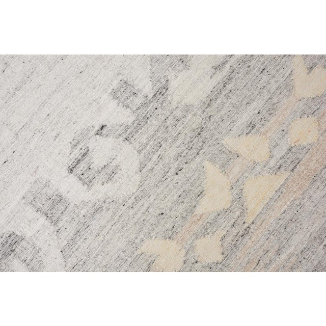 Mid-Century Modern Schumacher Pernilla Hand-Woven Area Rug, Patterson Flynn Martin For Sale - Image 3 of 8