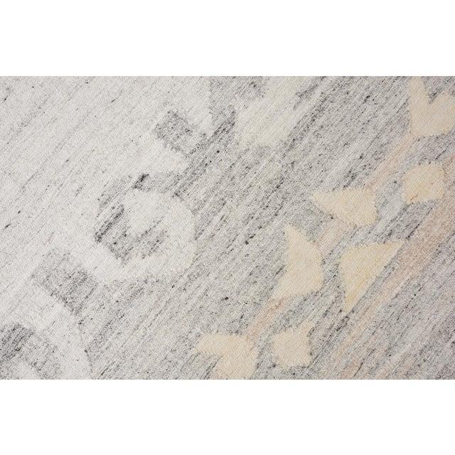 Contemporary Schumacher Pernilla Hand-Woven Area Rug, Patterson Flynn Martin For Sale - Image 3 of 8