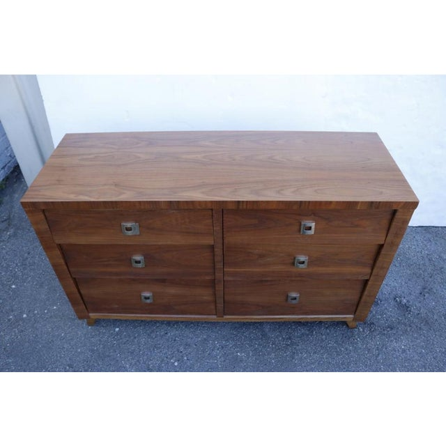 1960s Walnut Chest of Drawer by Morris of California For Sale - Image 5 of 7