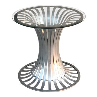 Russell Woodard Mid-Century Aluminum Round Top Pedestal Table For Sale