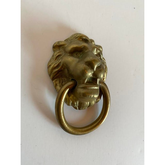 Figurative 1920s Victorian Cast Brass Lion Head Single Hole Drop Pulls - a Pair For Sale - Image 3 of 6