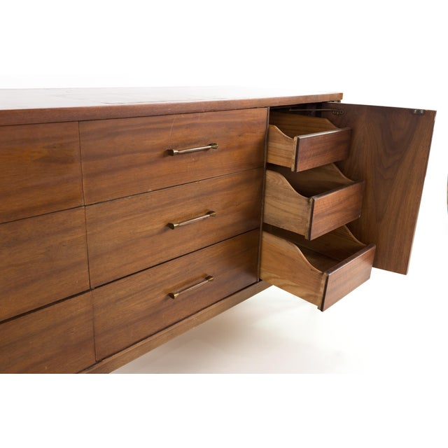 1960s Mid-Century Modern Kent Coffey Perspecta 12 Drawer Walnut and Rosewood Lowboy Dresser For Sale - Image 10 of 13