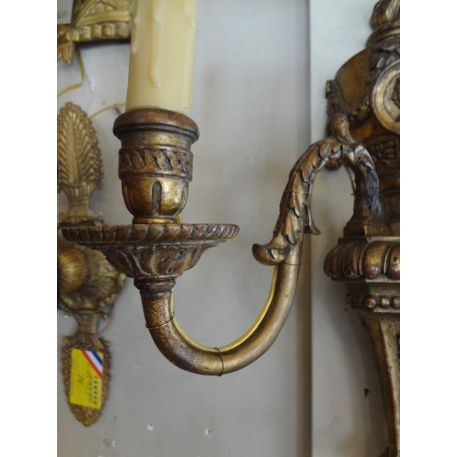 French Louis XVI Style Pair of Gilt Wood Sconces For Sale - Image 3 of 11