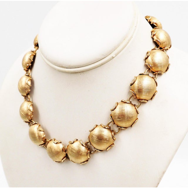 Metal 1950s Napier Goldtone Florentine Finish Necklace For Sale - Image 7 of 8