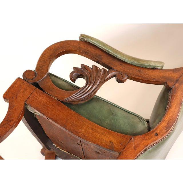 Wood 1830s English William IV Mahogany & Leather Rocking Chair For Sale - Image 7 of 13