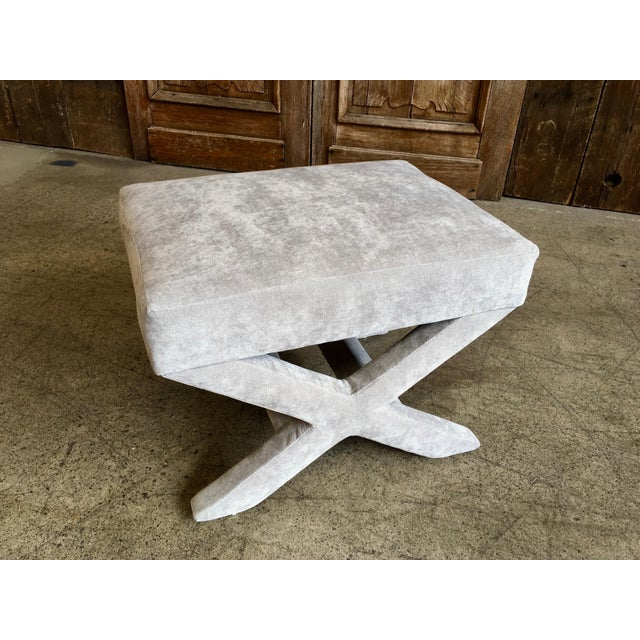 """Wood Mid-Century Modern """"X"""" Base Billy Baldwin Style Benches - a Pair For Sale - Image 7 of 10"""