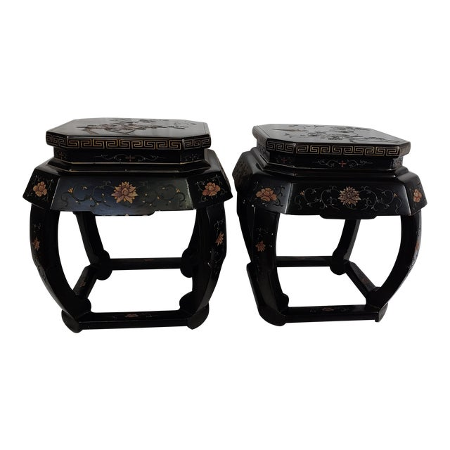 1950s Chinoiserie Jappaned Lacquered Side Tables - a Pair For Sale