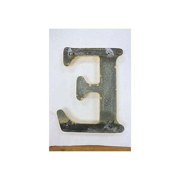 "Vintage English Pub Sign Letter ""E"" - Image 3 of 3"