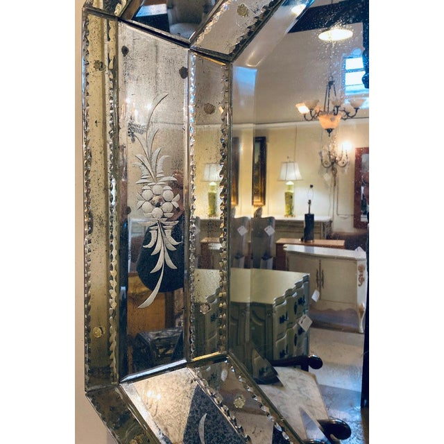 Venetian Style Hollywood Regency Octagon Mirror Etched Glass Beveled Antiqued For Sale In New York - Image 6 of 13