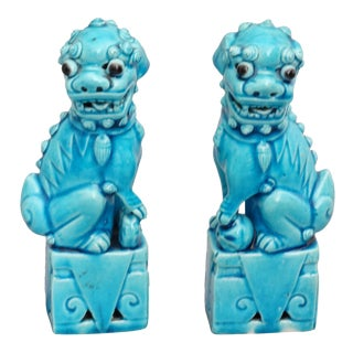 Chinese Foo Dogs Figurines, a Pair For Sale