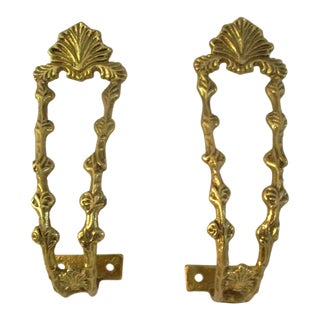 1980s Hollywood Regency Brass Shell Motif Curtain Hold Backs - a Pair For Sale