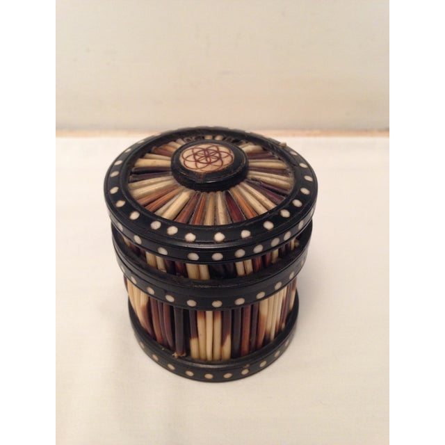 Early 20th Century Antique Porcupine Quill and Ebony Box For Sale - Image 4 of 4